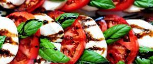 Buffalo=mozarella-tomato-salad