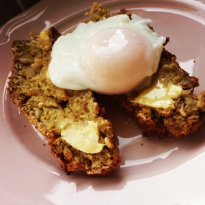 Poached-egg-served-on-toasted-soda-bread