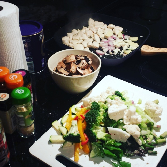 chicken-cashew-stir-fry-preparation